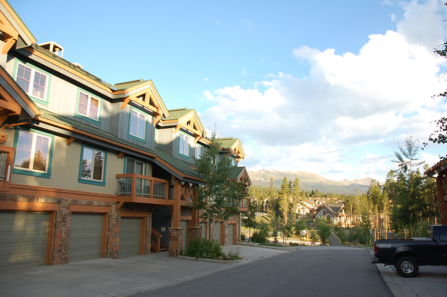 Los Pinos Condos for sale Breckenridge